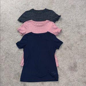 3 basic t-shirts